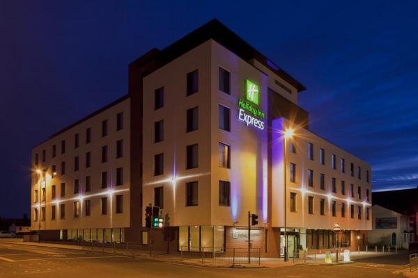 Holiday Inn Express (Cheltenham)